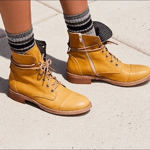 FP portland lace up boots BRAND NEW